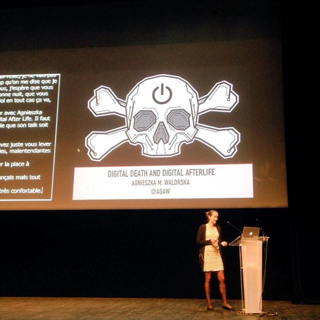 Mort virtuelle et au-delà virtuel