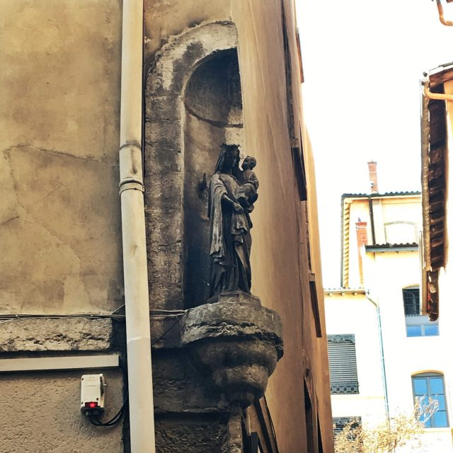 Statue mariale
